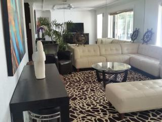 vacation palace, Fort Lauderdale