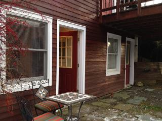 Modern 1BR Apt - 6 Miles to Dreams Park - Sleeps 3, Cooperstown