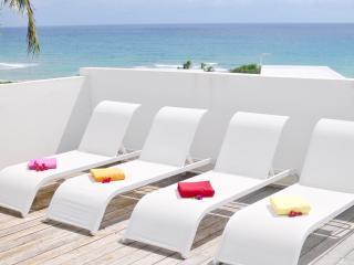 Villa CHARLES bord de mer Anse Rochers 6 pers.