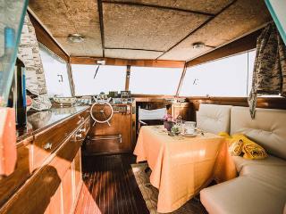 Antares boat, Maiori