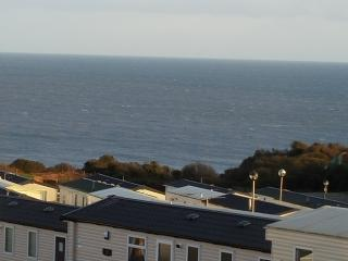 SEA VIEWS BRAND NEW CARAVAN 5* SITE DEVON CLIFFS