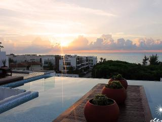 Luxurious 3 bedroom PH - Ocean View, Playa del Carmen