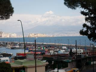 Mergellina apartment sea view - 6 guests, Naples