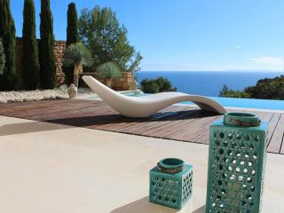 Breathtaking property,amazing seaview,private pool, Roca Llisa