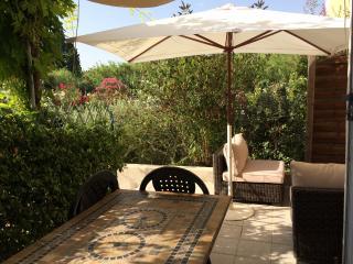 Maison 2 chambres dans résidence avec piscine, Saint Etienne du Gres