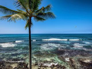 KONA OCEANFRONT~ WALL OF GLASS~BANYAN TREE #301, Kailua-Kona