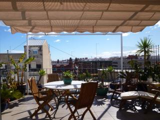 Ático con terraza y ascensor a 5 minuts del centro, Valence