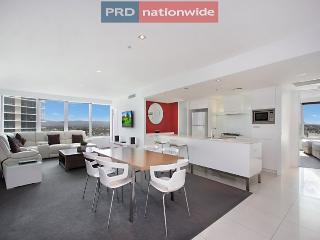 Q1 Resort - 3 Bedroom Luxury Apartment, Surfers Paradise