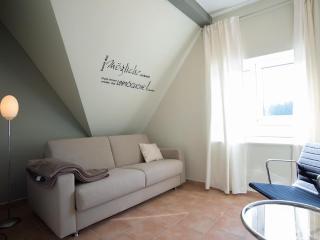 LLAG Luxury Vacation Apartment in Miltenberg - 646 sqft, new, stylish, magnificent (# 4295), Reinhardsachsen