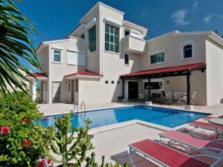 Villa Dolphin, Playa Paraiso