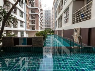 Condo in Bangkok near BTS On nut for rent