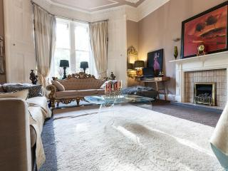 Grand double room in City Mansion House, Edimburgo