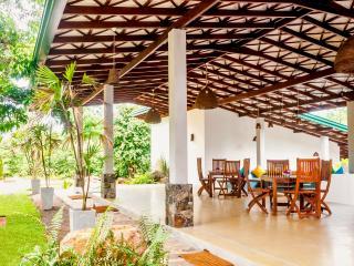 B/B Hotel - Five Luxery Rooms in a Relax enviromet, Hikkaduwa