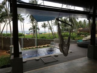 Rakuen Beach Villa