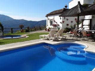 Private Villa with magnificant views,pool,jacizzi, Gaucín