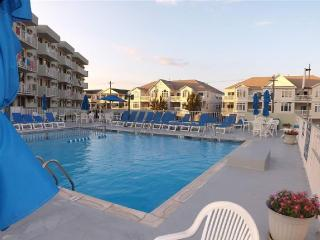 Bright Clean Unit, 6ppl, Pool, Great Location!!!!!, Wildwood