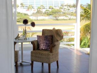 The Penthouse Suite, Modern World, $129, Palm - Eagle Beach