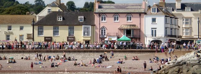 lots of things to do & enjoy at the beautiful beach of Sidmouth