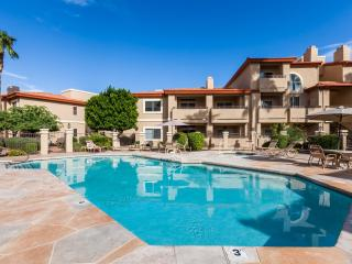 Luxurious Condo - Scenic Location!  West Condo, Phoenix