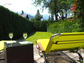 Basecamp Garmisch 4****, hochwertig mit 6 Betten, Garten, Kamin, Parkplatz