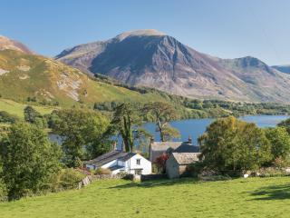 Charming farmhouse in exceptional lake location, Loweswater