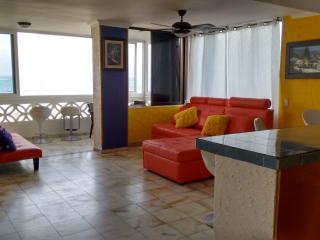 Wonderfull apartment with sea view,pool, recepcion, San Andrés