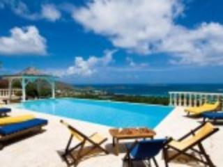 Villa Coralia with panoramic ocean view ,5 bedrooms or 4 bedrooms., Orient Bay