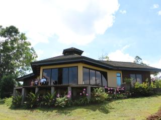Your Cabin on the Mountains, La Fortuna de San Carlos
