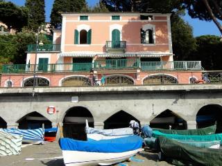 Villa Rental in Liguria, Levanto - Villa Spiaggia