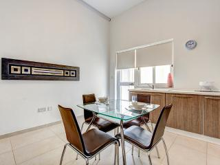 Sliema, Tigne Area 2-bedroom Apartment
