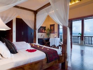 "Bali Beachfront ""Villa Puri Purnama"" and B&B"