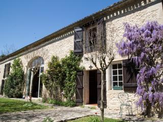 LES BARDES Chambres d'hôtes (Le Ségur), Landerrouet-Sur-Segur