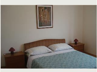 Apartment Sanda R for 2-4 people, Vantacici