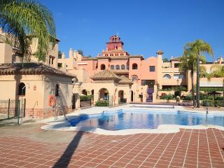 Superb Penthouse 5 Minutes Puerto Banus & Beaches, Estepona