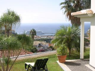 Casa das Lajes - Breathtaking Views Over Funchal