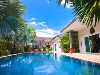 Huge Luxury Villa 3 Bed + Private Bungalow NaiHarn - Shanti