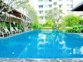 NEW High Rise, Great Location, MRT!