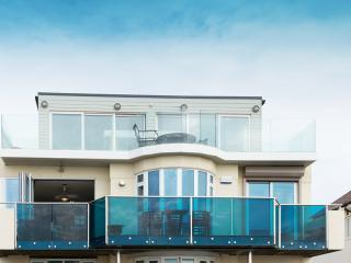 First Floor Southbourne Seafront Apartment, Bournemouth