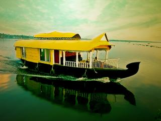 sreekrishna's 2bedroom private houseboat with all meals