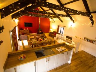 Spacious comfortable detached barn in Tamar Valley, Saltash