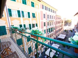 SKY 2BR-balcony above center city by KlabHouse, Santa Margherita Ligure
