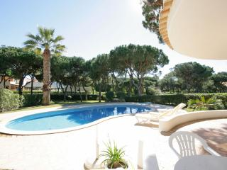 Villa Mimi, comfortable quite place, in Vilamoura