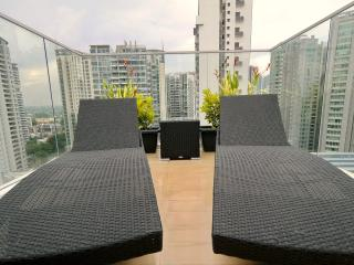 New 3 bedroom Penthouse Newton Orchard, Singapur