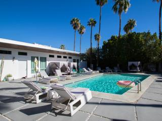 The Wesley Palm Springs Micro Resort Flat 1