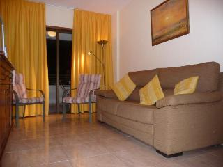 Iguazu Flat, 30 mbs wi fi,Parking, A/C, by Yumbo, Playa del Inglés