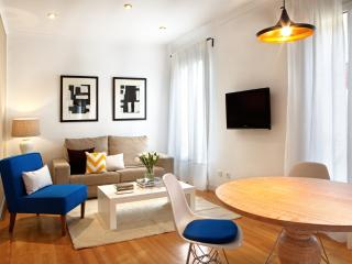 García de Paredes - 3 Bedroom Apartment - Chamberí (Madrid Center)