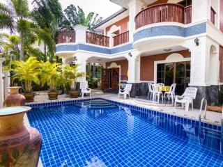 5 bedrooms villa near the beach and walking street, Pattaya