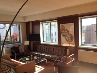 West Village Elevator 1-Bedroom /Huge Private Deck, Nueva York