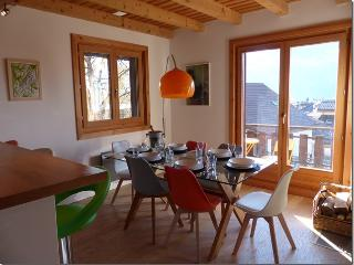 Apartment Le Vernay, fabulous views, FREE wifi, Les Carroz-d'Araches