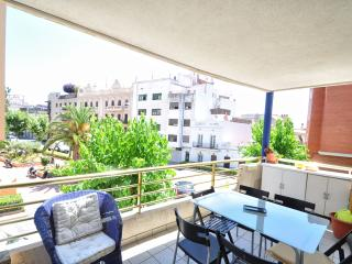 2BR Center and Swimming Pool, Sitges